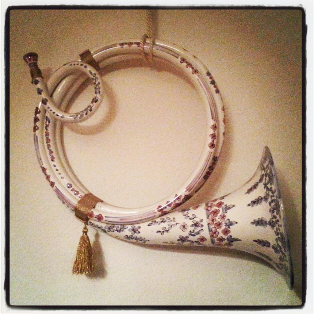 #fotoprojekt2014 KW 52: BESONDERES | spielbares Horn aus Fayence (Porzellan)